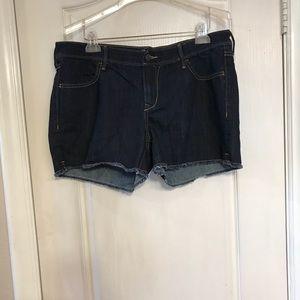 "Old Navy ""Diva"" fit denim shorts size 14"